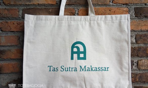 Tote Bag Blacu Sutra Makassar