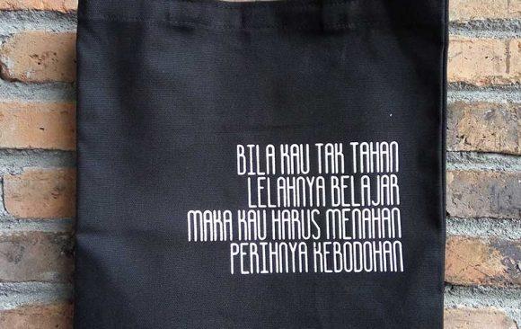 Tote Bag Kanvas Souvenir